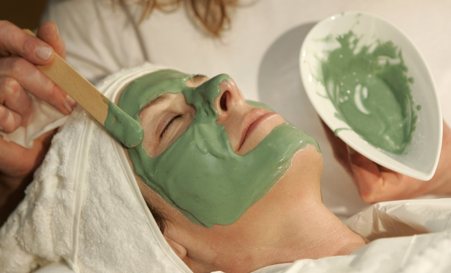 Состав и польза альгинатной маски для лица